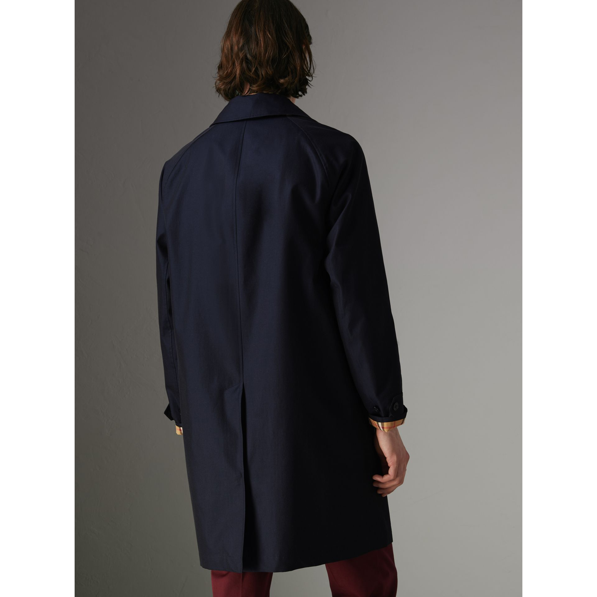 Car Coat The Camden (Bleu Carbone) - Homme | Burberry - photo de la galerie 2