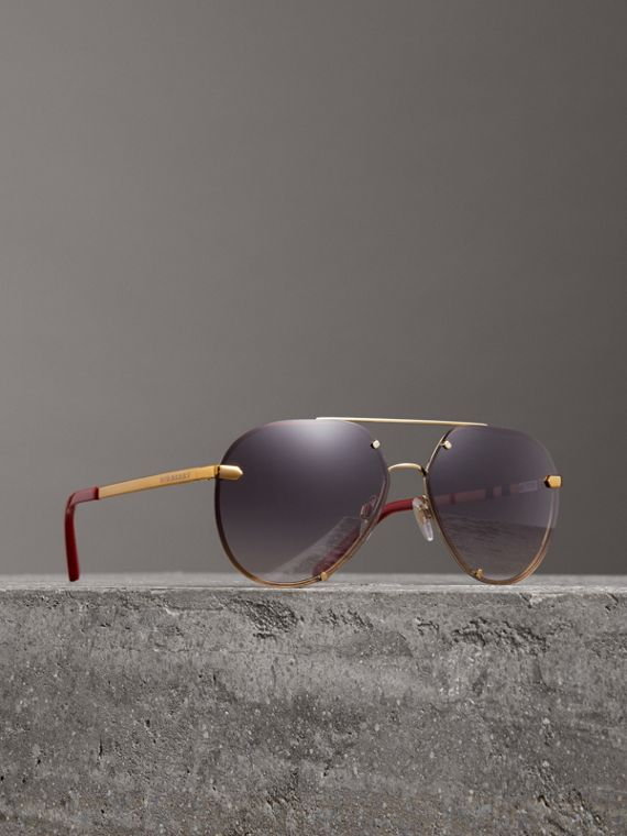 Check Detail Pilot Sunglasses in Purple