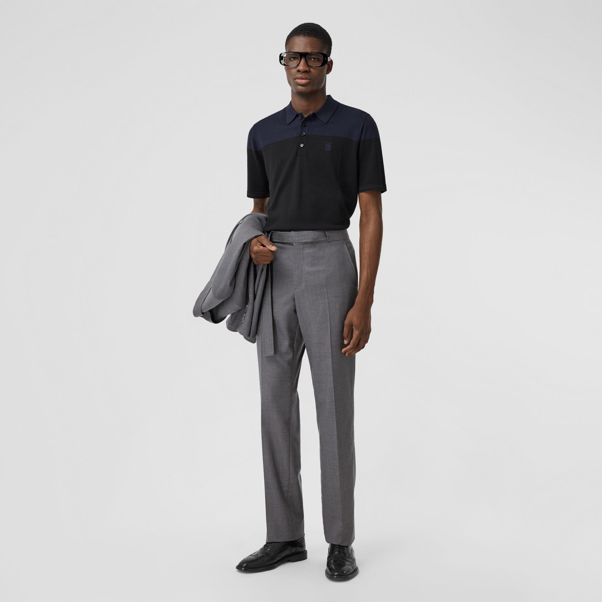 モノグラムモチーフ ツートン シルクカシミア ポロシャツ (ブラック/ネイビー) - メンズ | バーバリー - ギャラリーイメージ 4