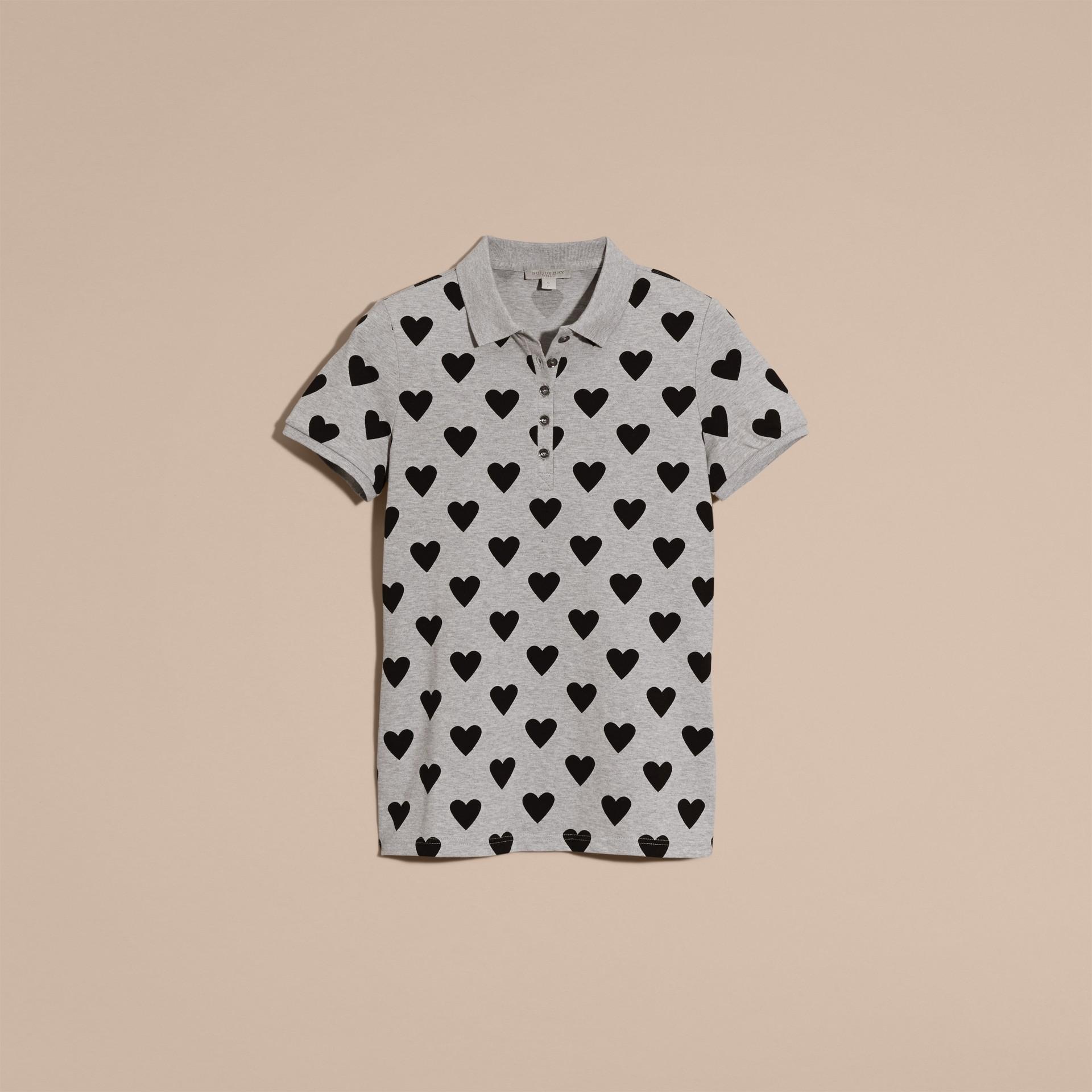 灰色 心型印花伸縮棉質珠地網眼 Polo 衫 灰色 - 圖庫照片 4