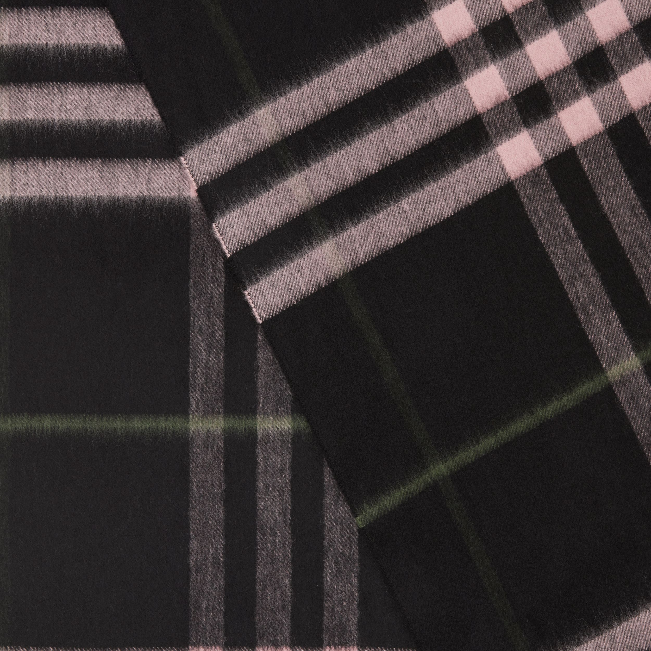 The Classic Check Cashmere Scarf in Black/peony Pink | Burberry - 2