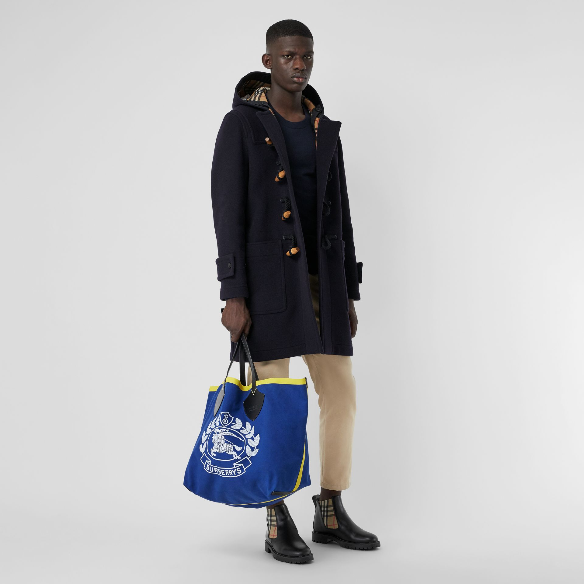 The Giant Tote in Archive Logo Cotton in Navy | Burberry - gallery image 3