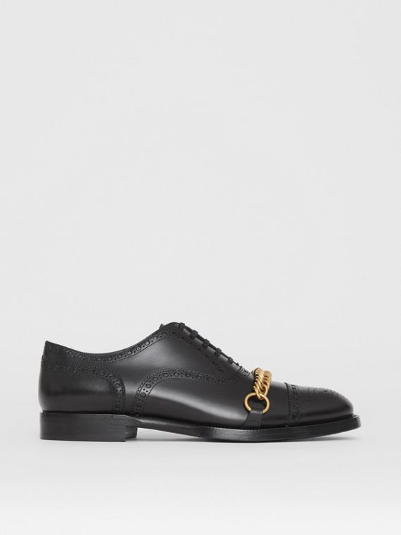 Brogue in pelle con catenella (Nero)