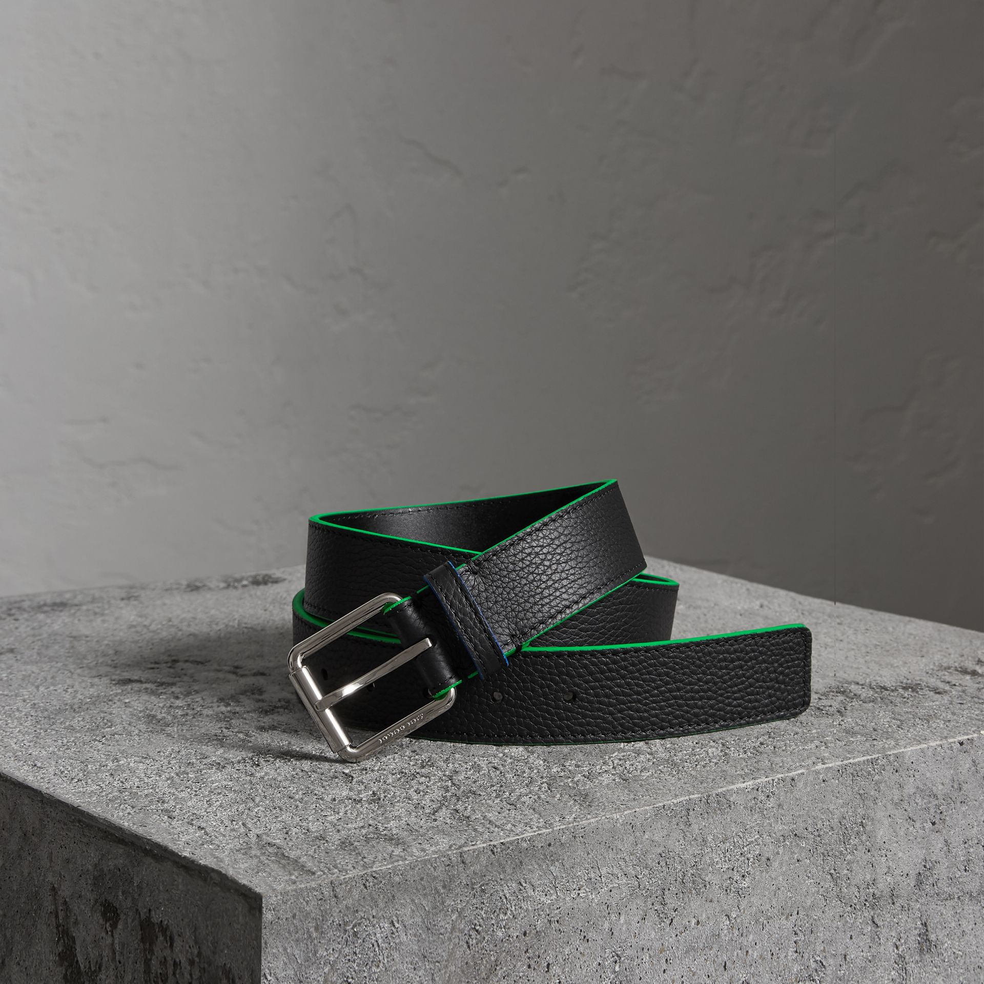 Contrast Detail Leather Belt in Black - Men | Burberry United States - gallery image 0