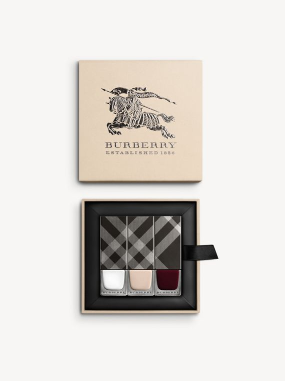 Spring/Summer 2016 Runway Nail Collection - Women | Burberry
