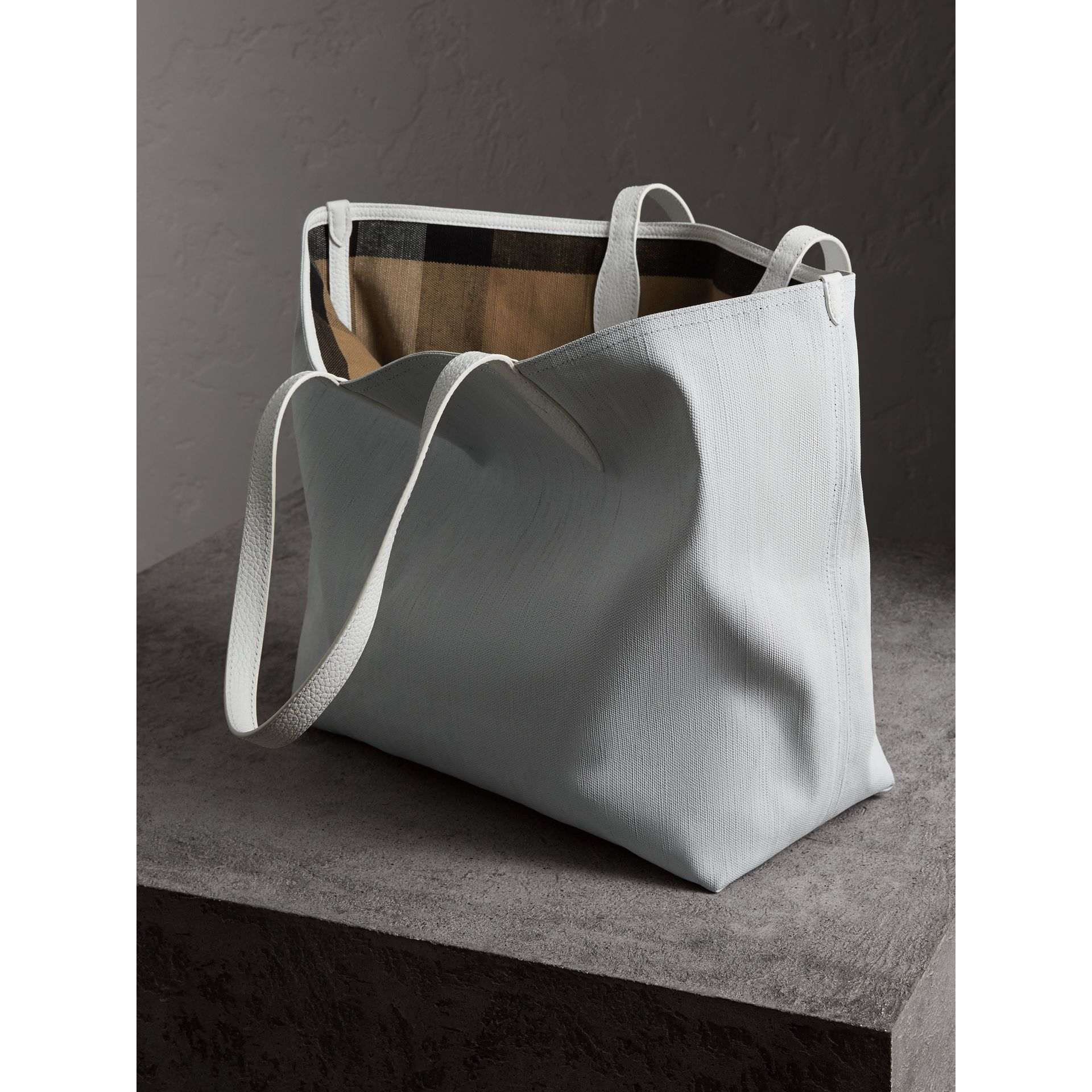 The Large Reversible Doodle Tote in White - Women | Burberry - gallery image 8