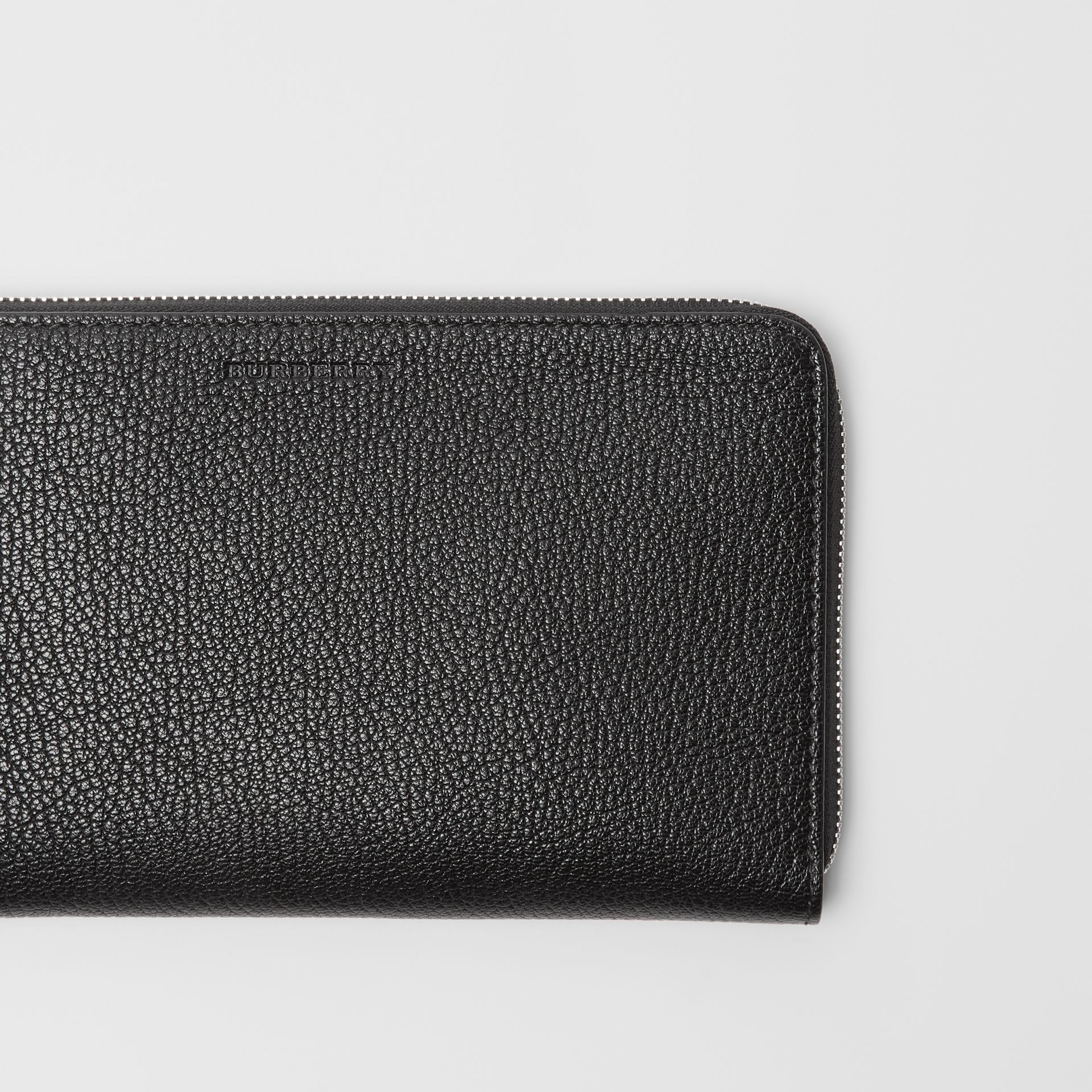 Two-tone Grainy Leather Travel Wallet in Black | Burberry - gallery image 1