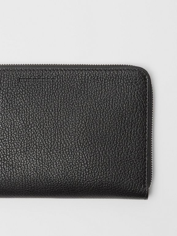 Two-tone Grainy Leather Travel Wallet in Black | Burberry - cell image 1