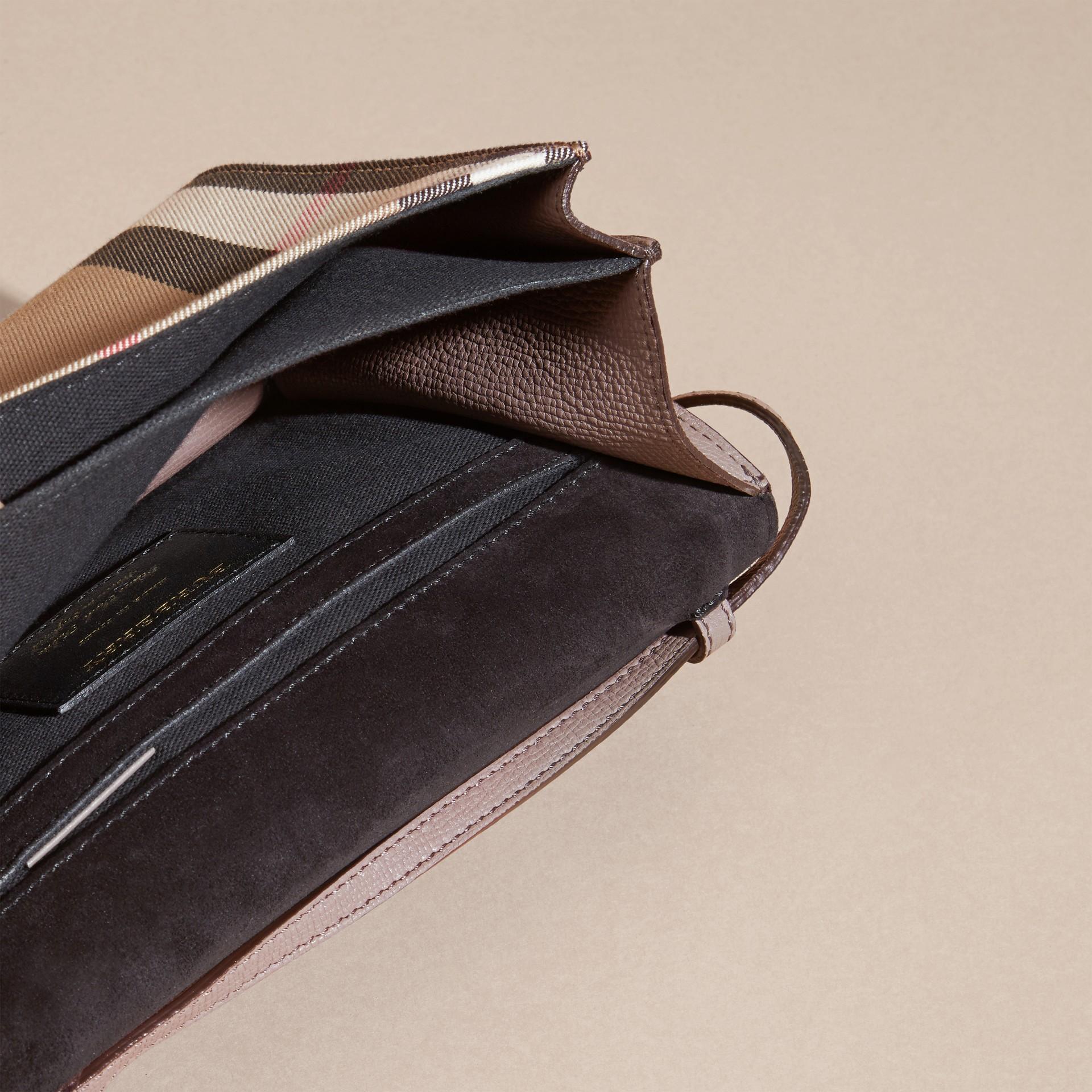 Gris chardon Petit sac à bandoulière en cuir et coton House check Gris Chardon - photo de la galerie 5