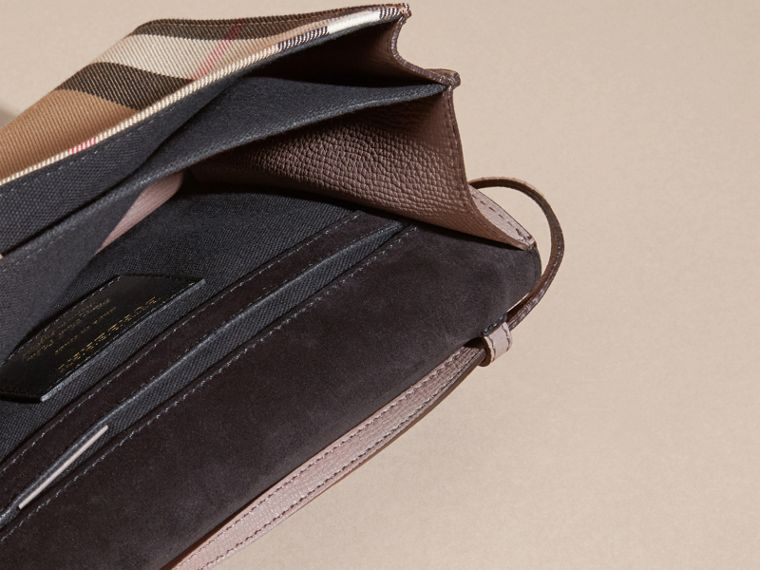 Gris chardon Petit sac à bandoulière en cuir et coton House check Gris Chardon - cell image 4