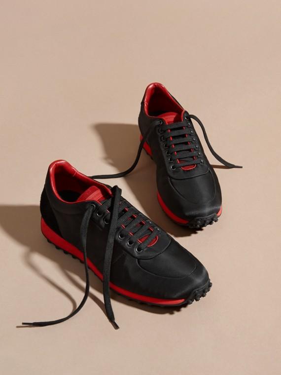 Nero/rosso militare Sneaker tecniche con finiture effetto texture Nero/rosso Militare - cell image 2
