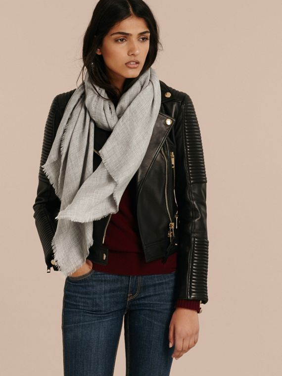 Pale grey The Lightweight Cashmere Scarf Pale Grey - cell image 2