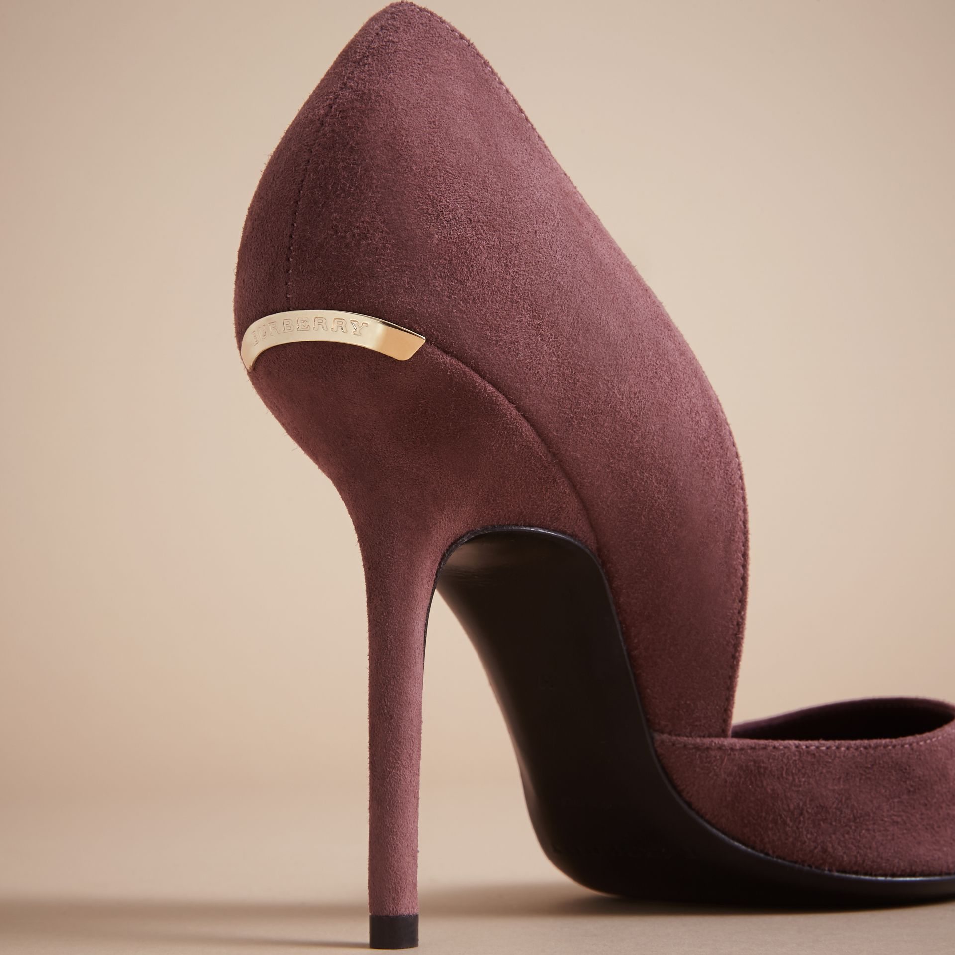 Escarpins d'Orsay à bout pointu en cuir velours (Rose Taupe) - Femme | Burberry - photo de la galerie 2