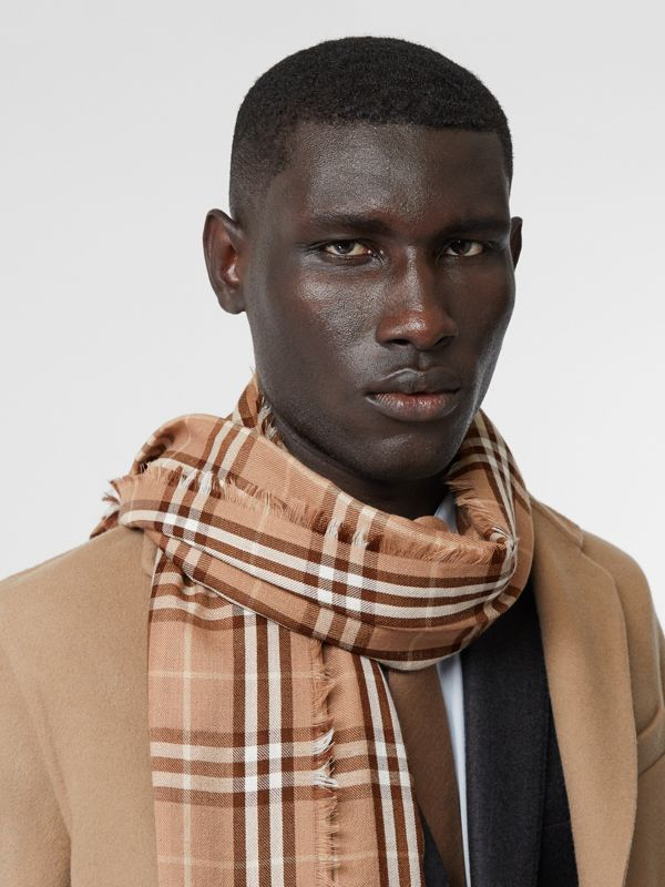Vintage Check Lightweight Cashmere Scarf in Mid Camel | Burberry United Kingdom - cell image 3
