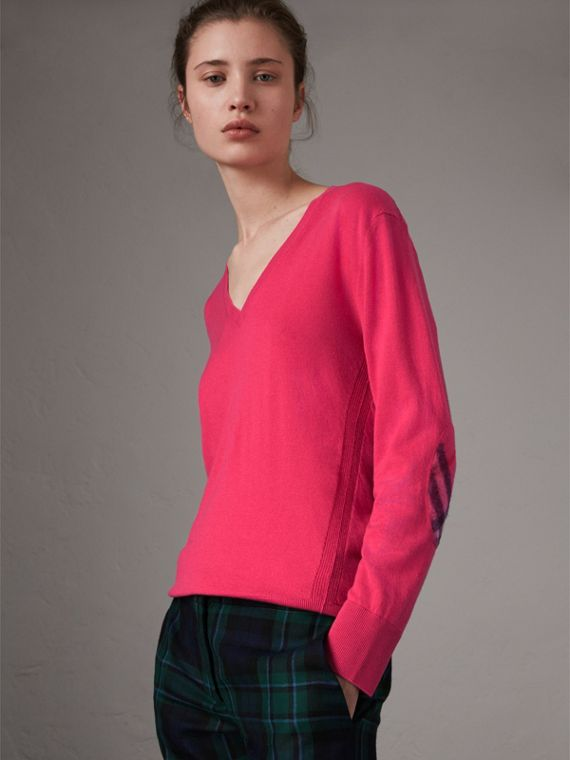 Check Detail Cashmere V-neck Sweater in Bright Pink