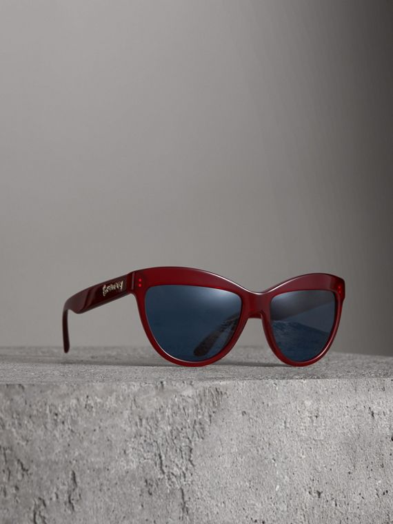 Doodle Cat-eye Frame Sunglasses in Cardinal Red