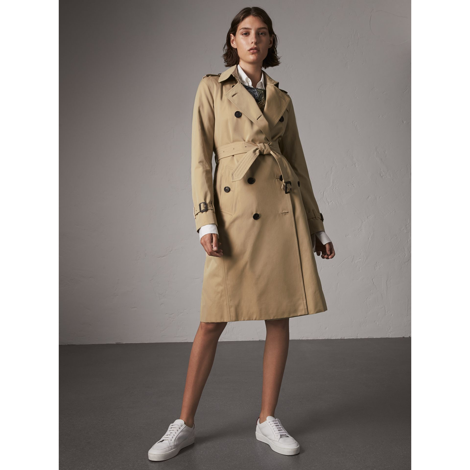 The Kensington – Extra-long Trench Coat in Honey - Women | Burberry - gallery image 7