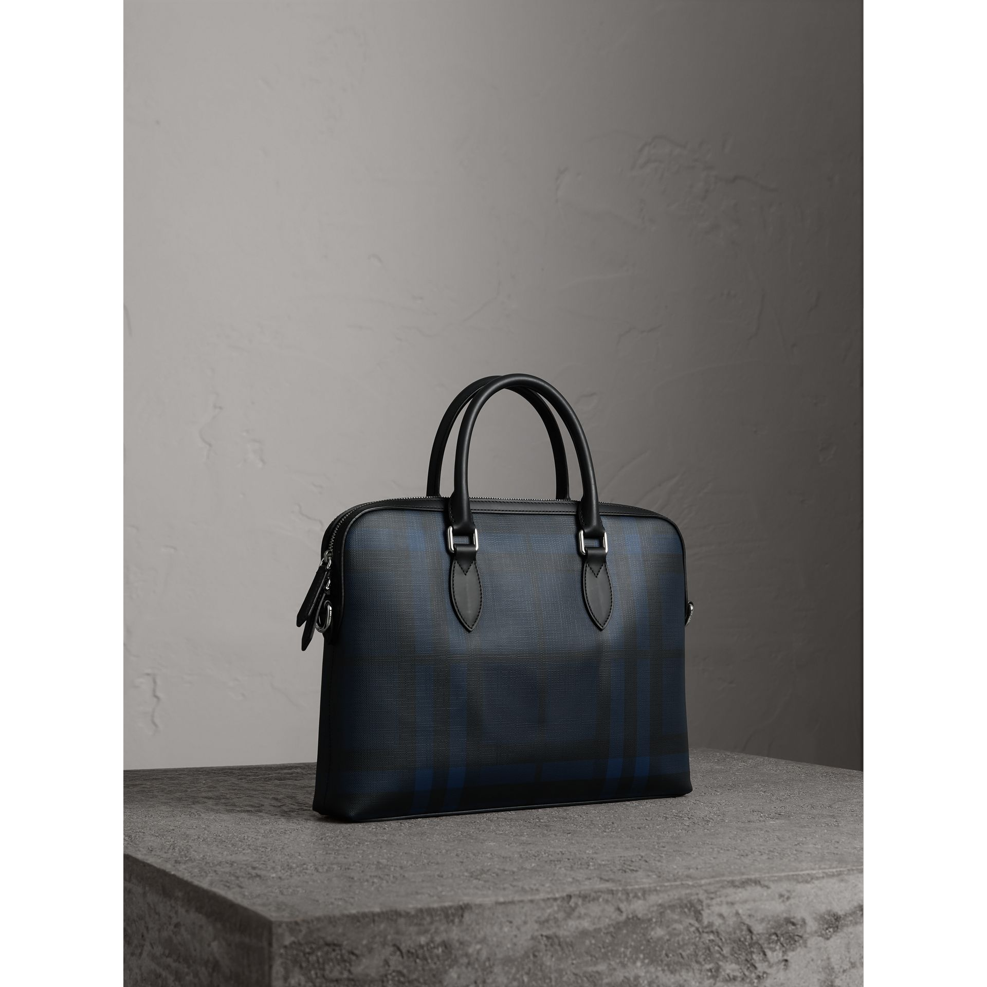 The Barrow sottile con motivo London check (Navy/nero) - Uomo | Burberry - immagine della galleria 6