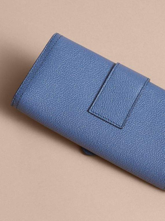 Textured Leather Continental Wallet in Steel Blue - Women | Burberry Singapore - cell image 2