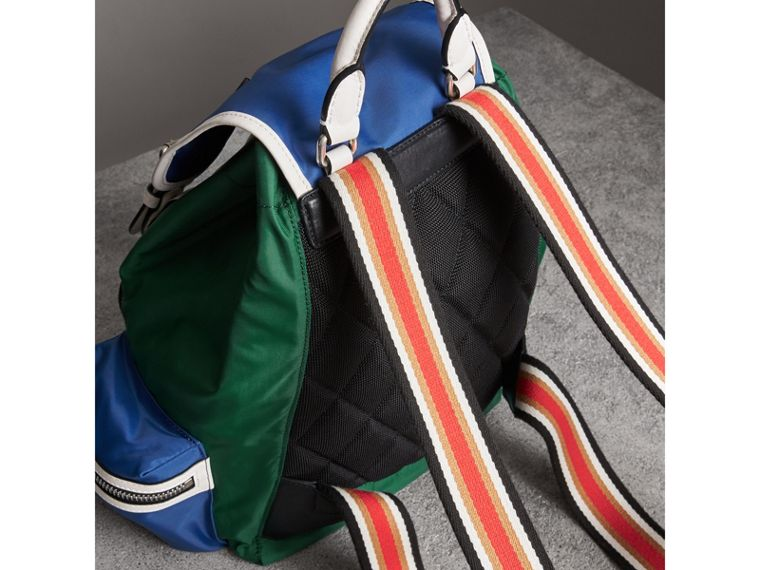 The Medium Rucksack aus Nylon und Leder im Colour-Blocking-Design (Dunkles Canvasblau) - Damen | Burberry - cell image 4