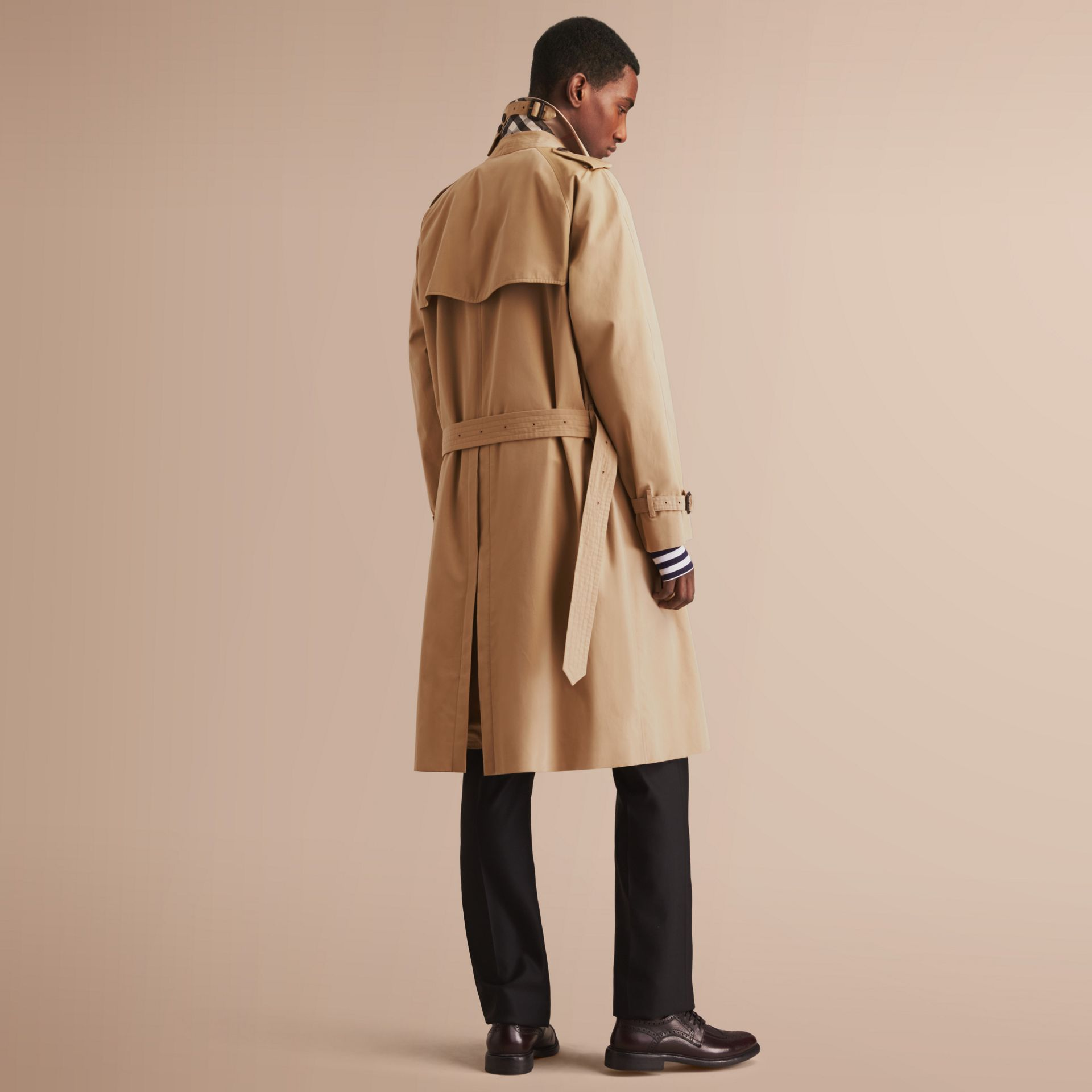 The Westminster – Long Heritage Trench Coat in Honey - Men | Burberry - gallery image 3