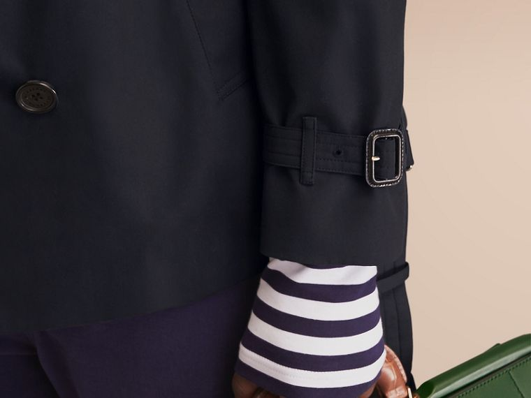 The Chelsea – Short Heritage Trench Coat in Navy - cell image 4