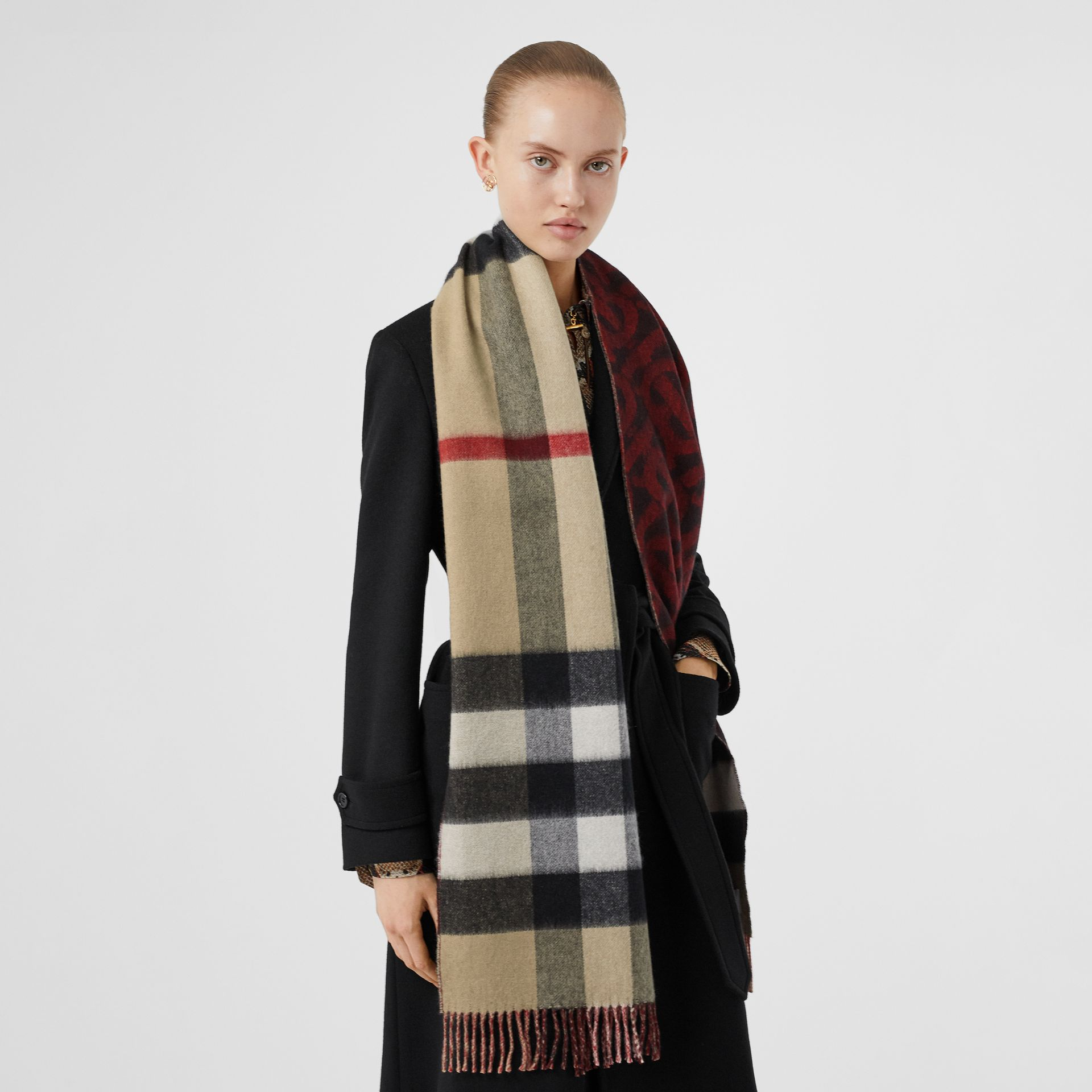 Reversible Check and Monogram Cashmere Scarf in Bright Red | Burberry - gallery image 2