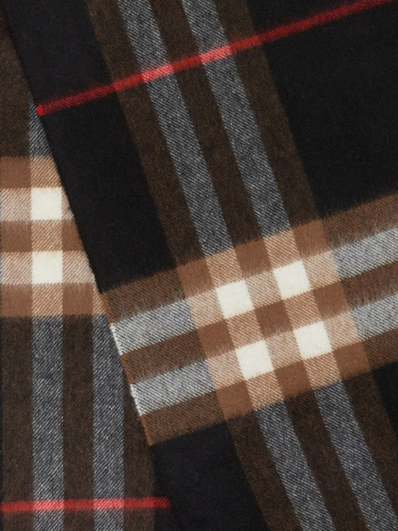 The Classic Check Cashmere Scarf in Indigo/mid Camel | Burberry Hong Kong S.A.R - cell image 1
