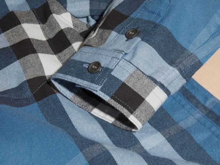 Blu acciaio intenso Camicia button-down in flanella di cotone con motivo check - cell image 1