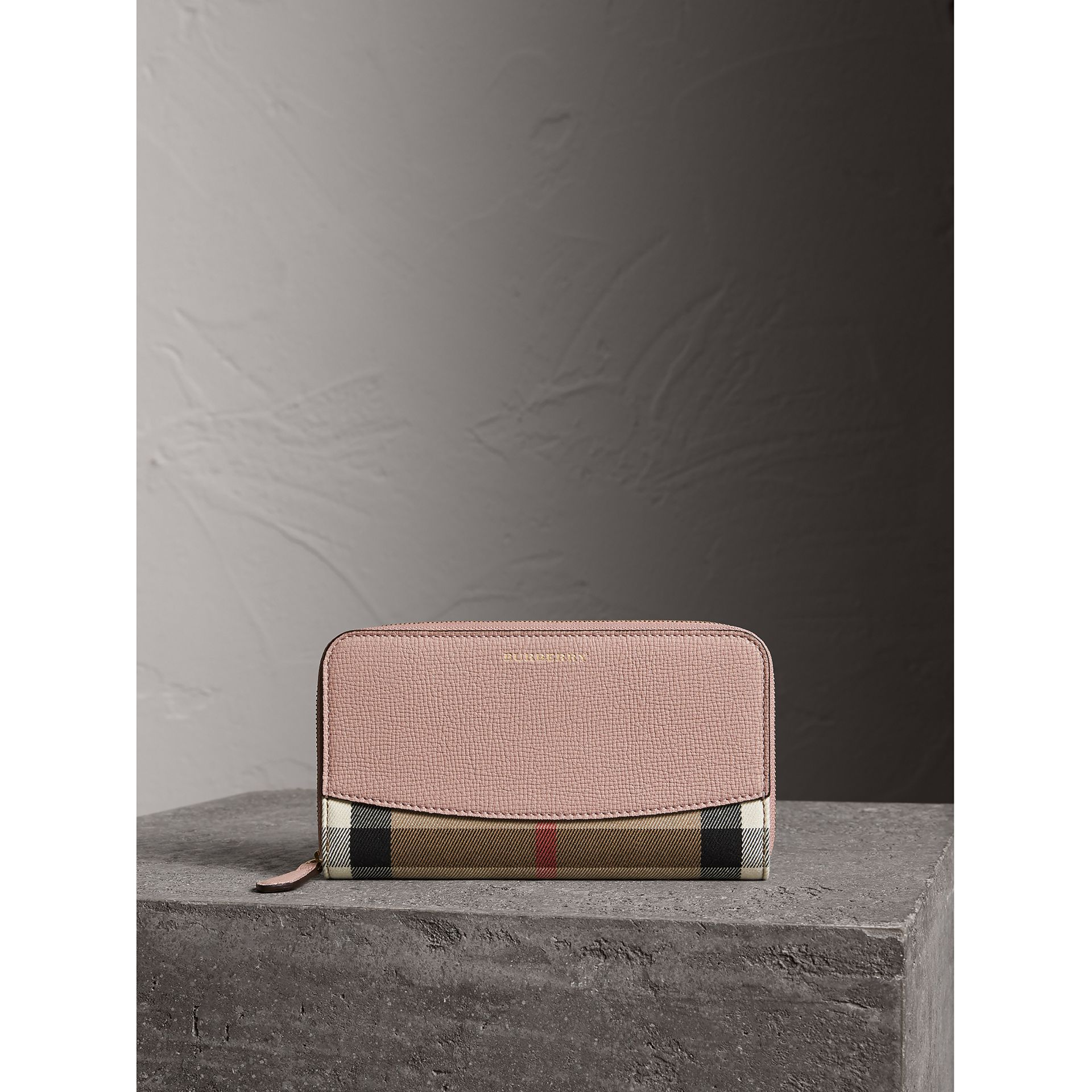 House Check and Leather Ziparound Wallet in Pale Orchid - Women | Burberry Hong Kong - gallery image 5