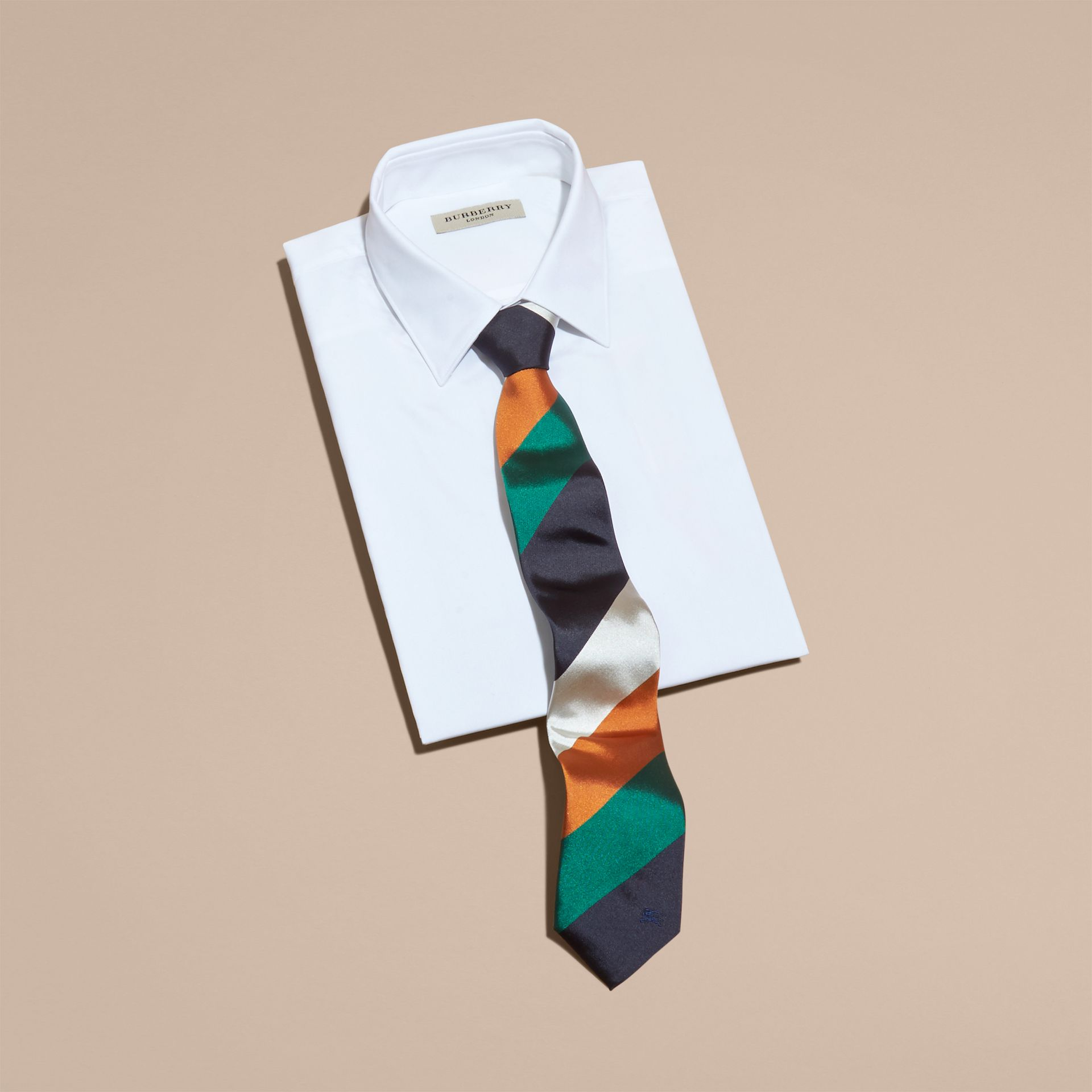 Modern Cut Collegiate Stripe Silk Tie Bright Pigment Green - gallery image 3