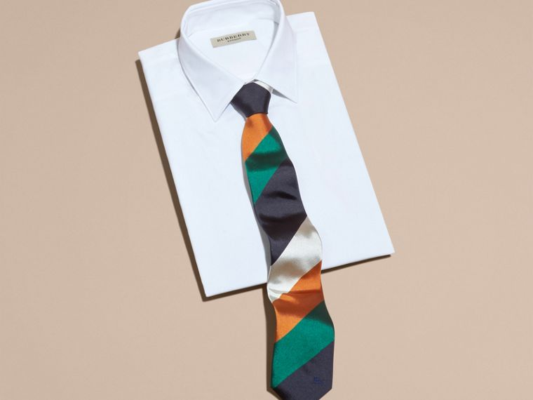 Modern Cut Collegiate Stripe Silk Tie Bright Pigment Green - cell image 2