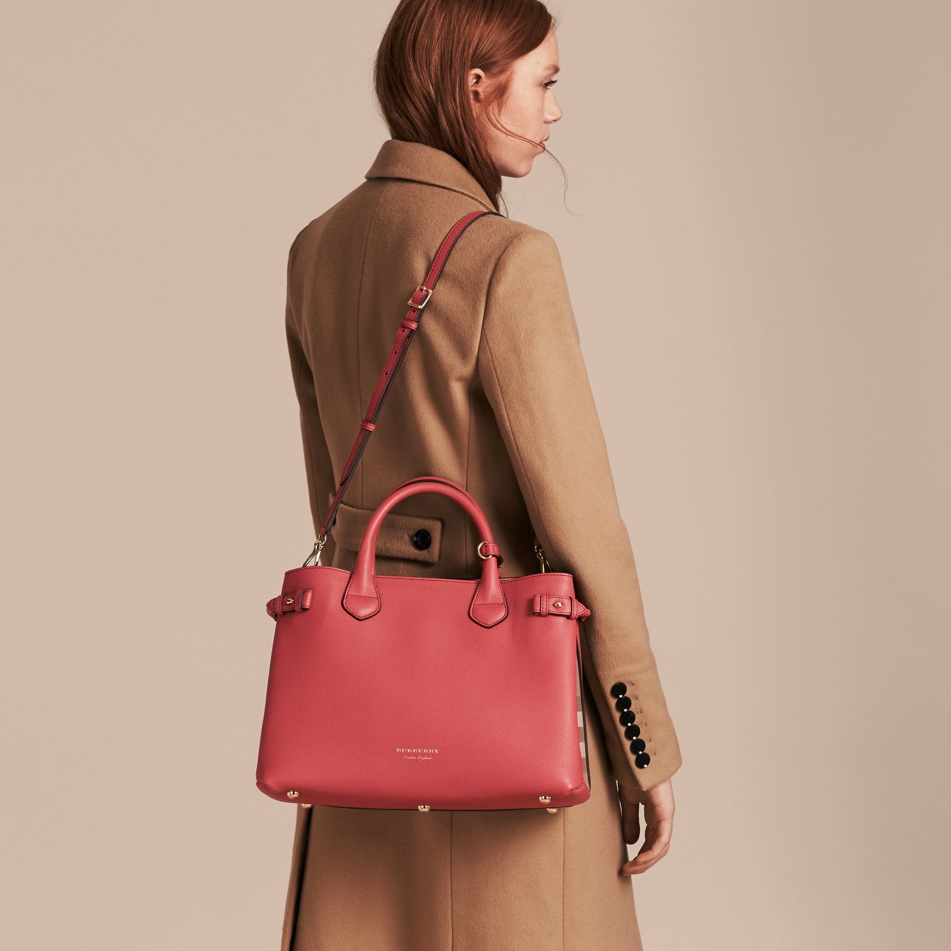 The Medium Banner in Leather and House Check in Cinnamon Red - Women | Burberry - gallery image 4