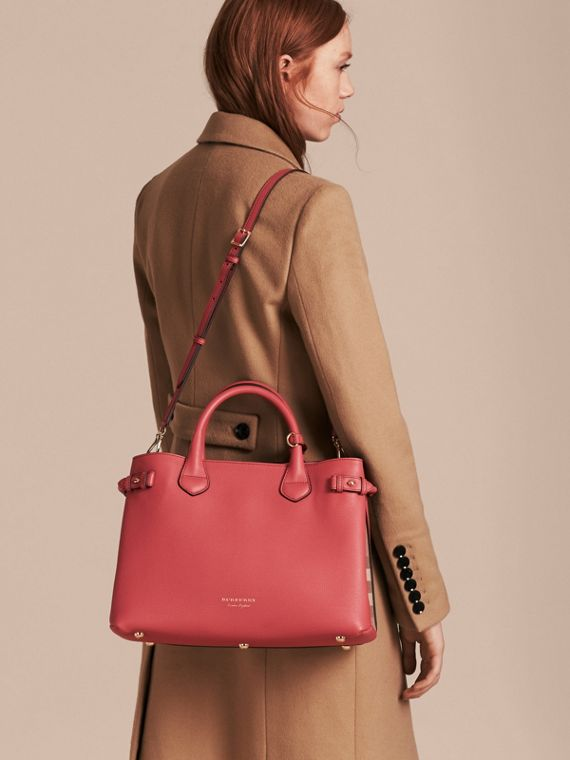 The Medium Banner in Leather and House Check in Cinnamon Red - Women | Burberry Australia - cell image 3
