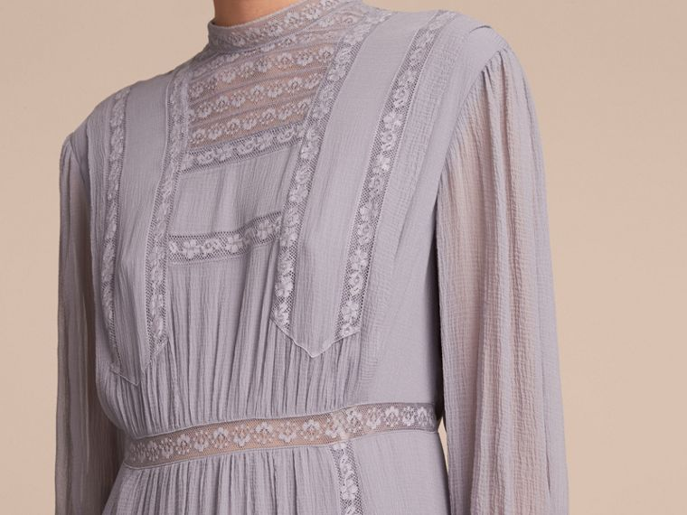 Lace Detail Silk Crepon Dress in Pale Lilac - Women | Burberry Hong Kong - cell image 4