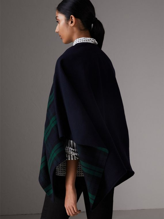 Reversible Cropped Tartan Wool Poncho in Navy | Burberry - cell image 2