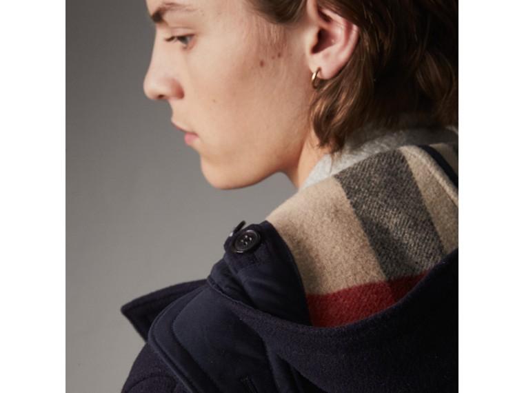Duffle-coat en laine mélangée (Marine) - Homme | Burberry - cell image 4