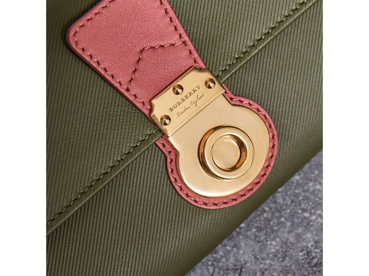 Two-tone Trench Leather Continental Wallet in Moss Green/ Blossom Pink - Women | Burberry - cell image 1