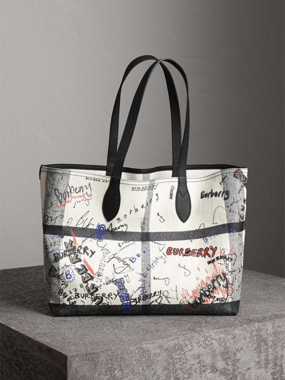 The Medium Reversible Doodle Tote in White/black