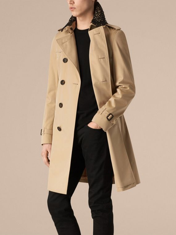 The Chelsea – Gabardine Trench Coat with Lace Collar Honey