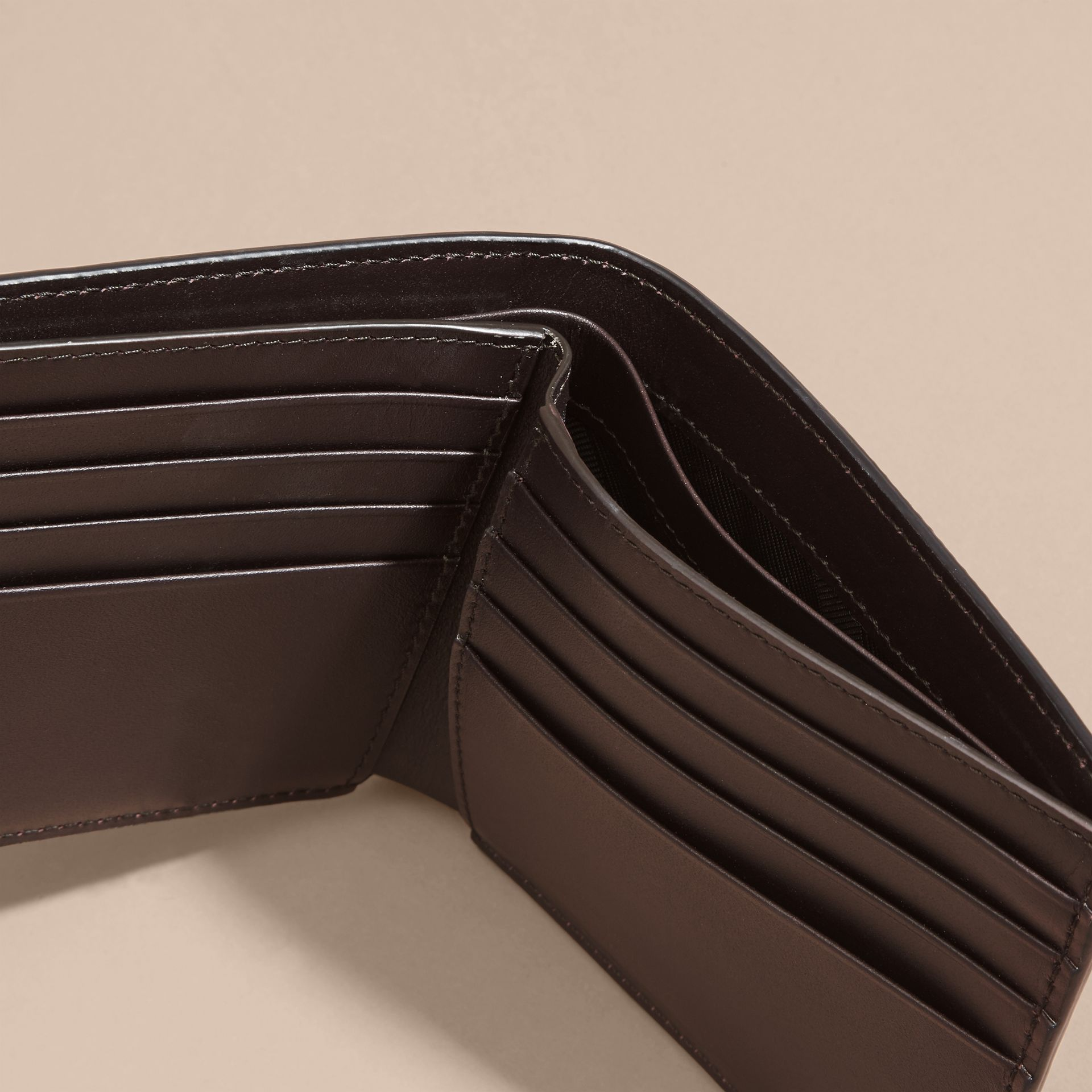 Border Detail London Leather Folding Wallet Dark Navy - gallery image 5
