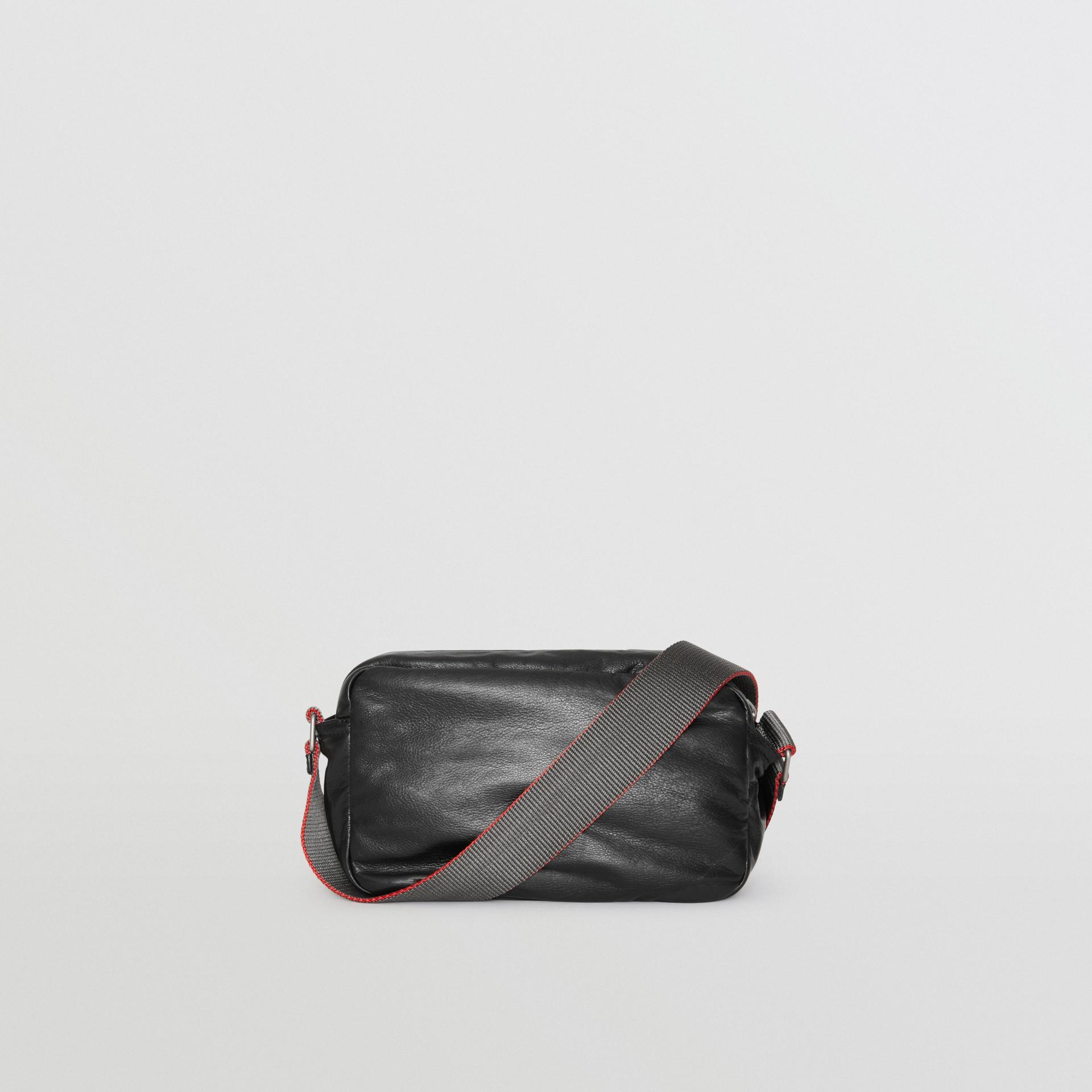 Bolsa transversal em couro nappa com emblema Equestrian Knight (Preto) - Homens | Burberry - galeria de imagens 5