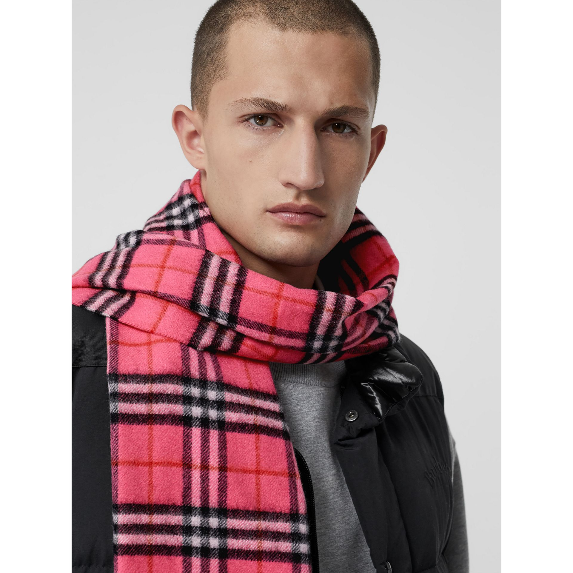 The Classic Vintage Check Cashmere Scarf in Bright Pink | Burberry United States - gallery image 6