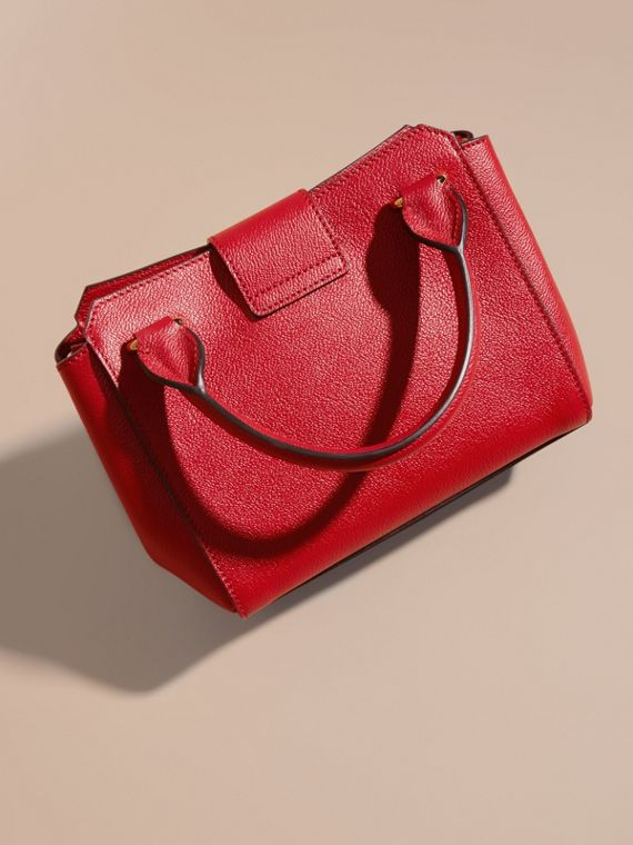 Parade red The Small Buckle Tote in Grainy Leather Parade Red - cell image 3