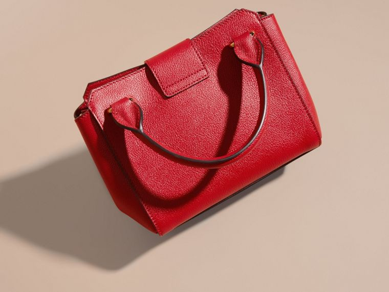 Borsa tote The Buckle piccola in pelle a grana (Rosso Parata) - Donna | Burberry - cell image 4