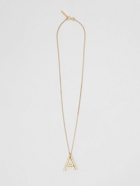 Collana con ciondolo a forma di A in metallo placcato oro (Chiaro)