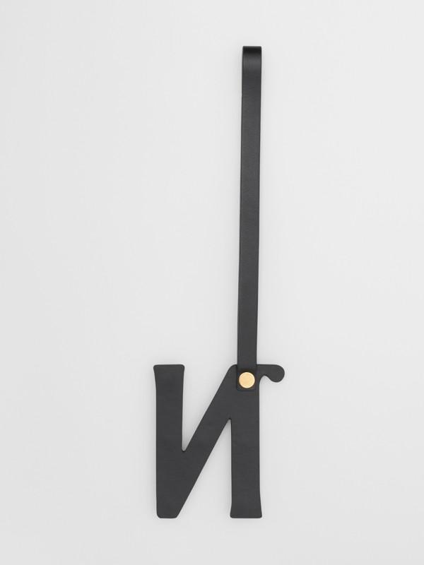 Bijou alphabet «N» en cuir clouté (Noir/or Clair) - Femme | Burberry - cell image 2