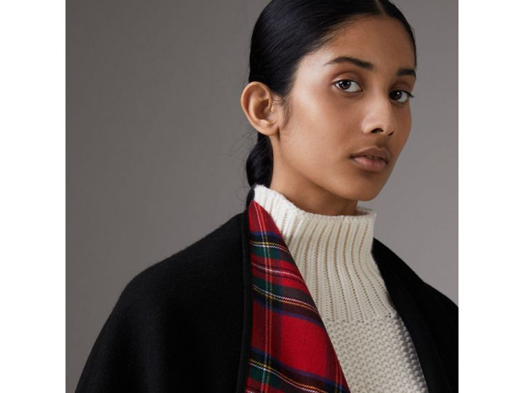 Reversible Cropped Tartan Wool Poncho in Black | Burberry Australia - cell image 4