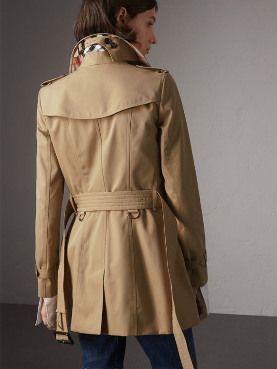 The Chelsea – Short Trench Coat in Honey - Women | Burberry Australia - cell image 2