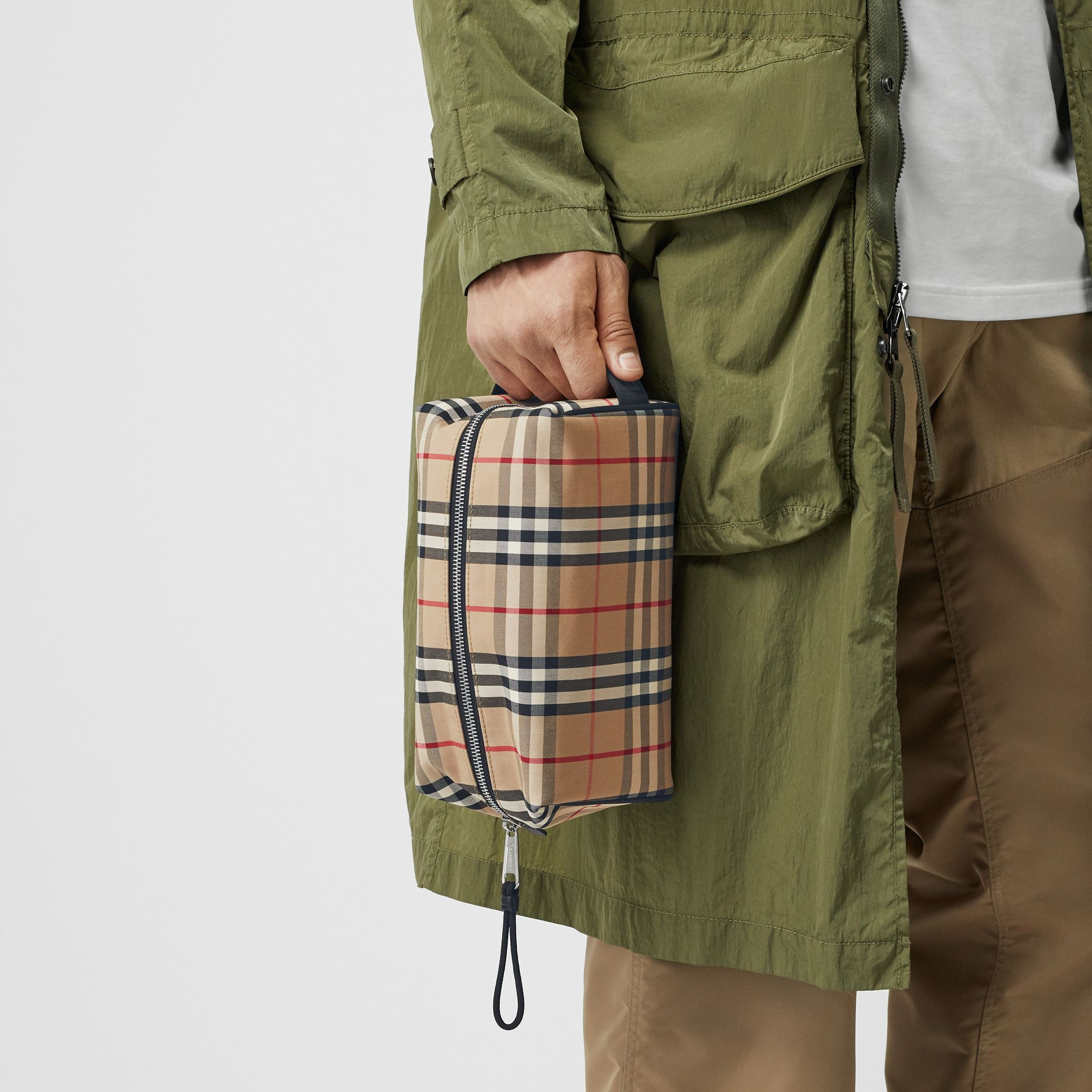 Vintage Check and Leather Pouch in Archive Beige | Burberry Hong Kong S.A.R - gallery image 2